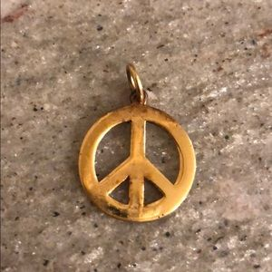 Jewelry - Peace sign pendant